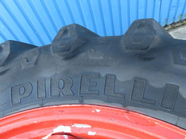 Dubbellucht 520/70R38 Pirelli spindel