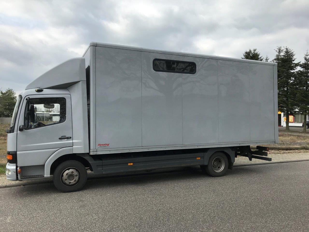 Mercedes Benz Atego 8.15 paardenvrachtwagen