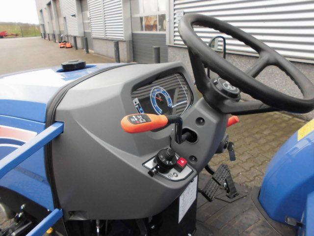 Iseki TLE 4490 tractor