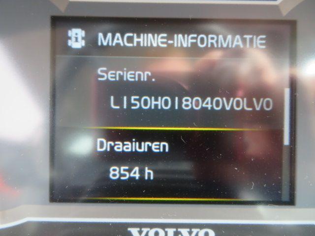 Volvo L150H 854 uren