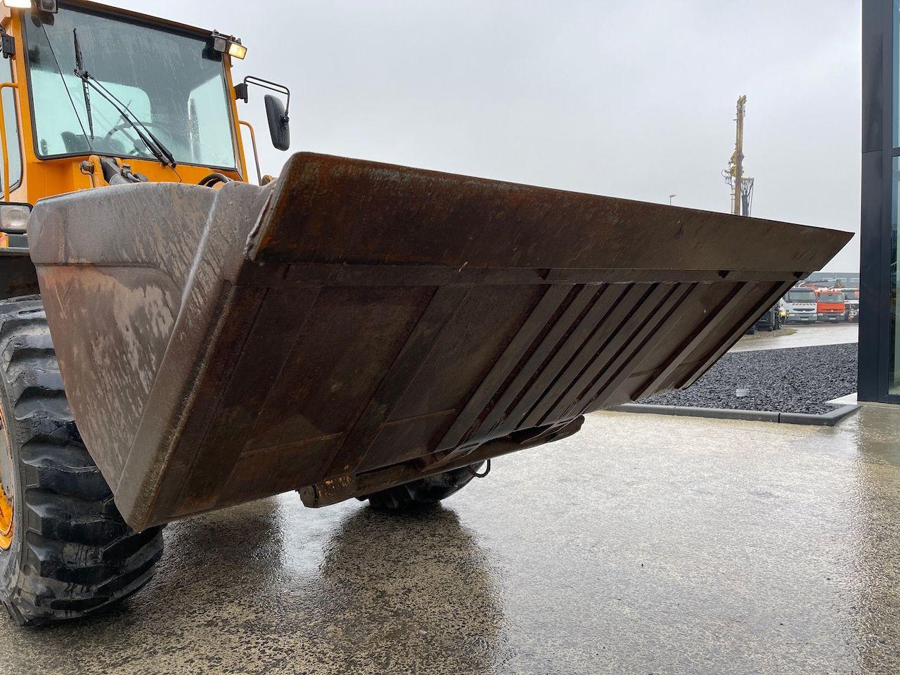 Grondbak shovel 297cm 2300ltr Verachtert aansl.