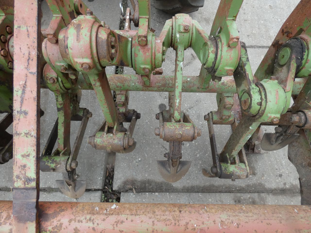CELLI krukasspitmachine (type NZ10-250, werkbreedte 250 cm.)