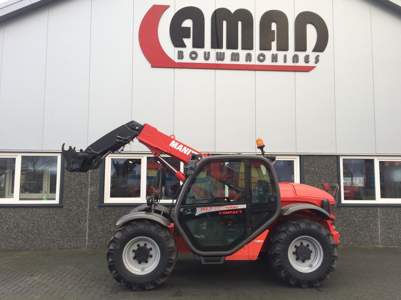 Manitou MLT 627 compact
