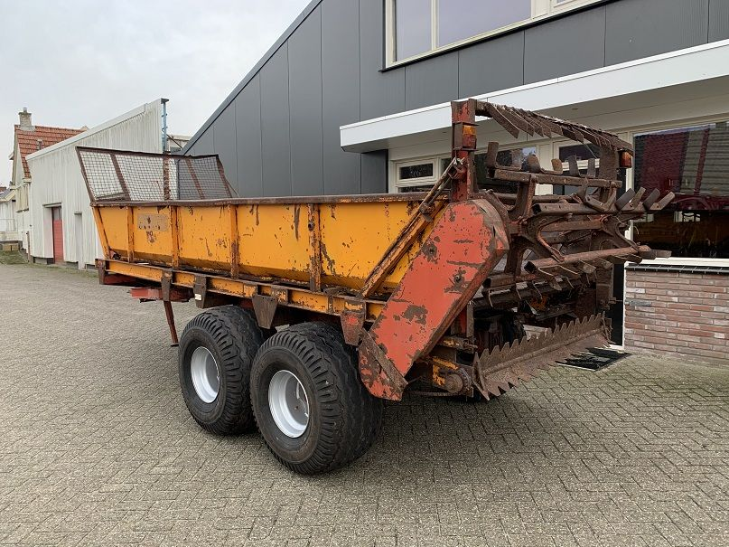 Miedema 6 ton meststrooier