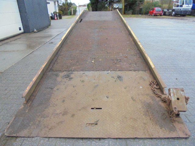 Gebruikte Laadbrug 12.6 mtr lang