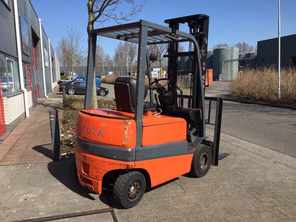 TOYOTA FBMF20 elektrische heftruck Goeie accu, met lader.