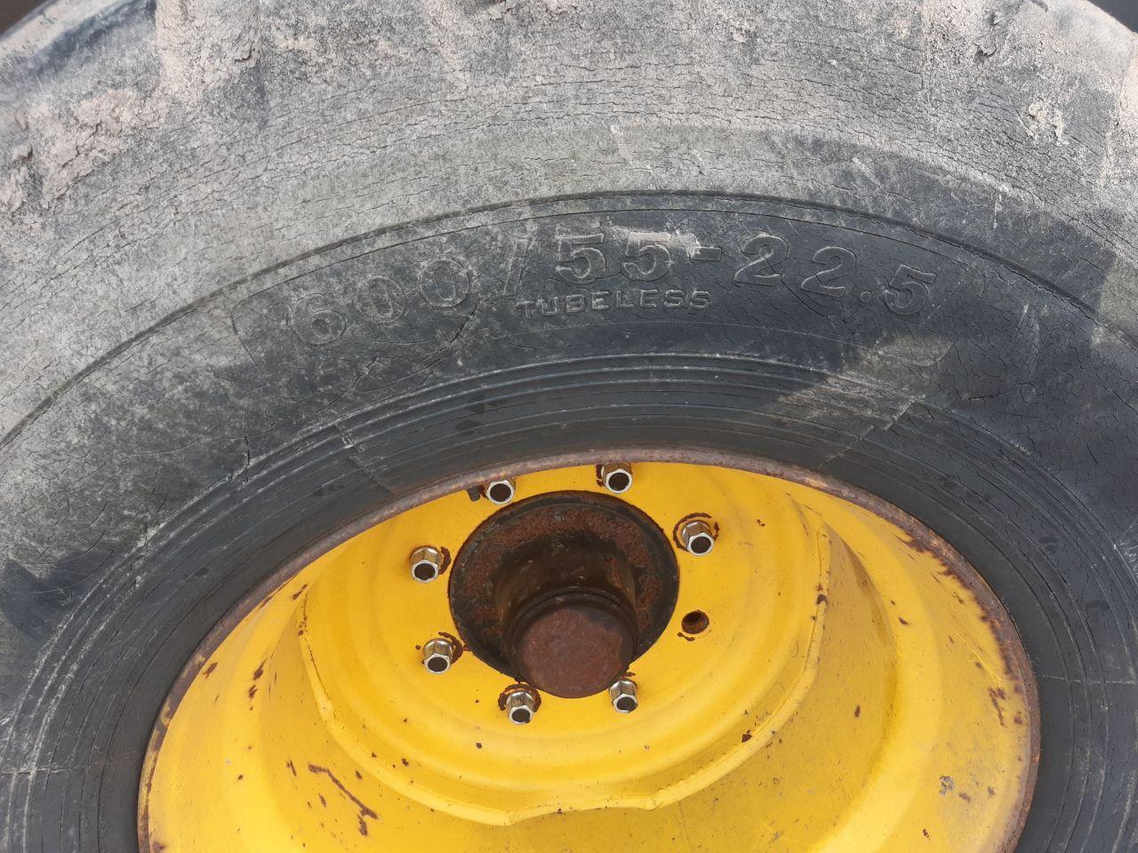 Schouten mesttank watertank 5000 ltr. geveerd en gestuurd tandem