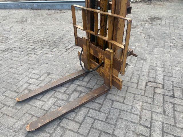 Gebruikte hefmast 2 ton met hefhoogte 3,2 m