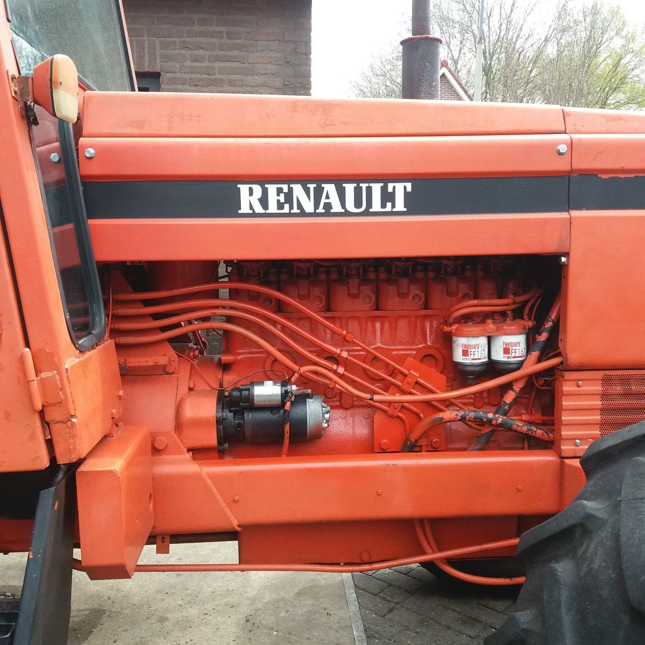 Renault  1181   4x4  6 cilinder motor