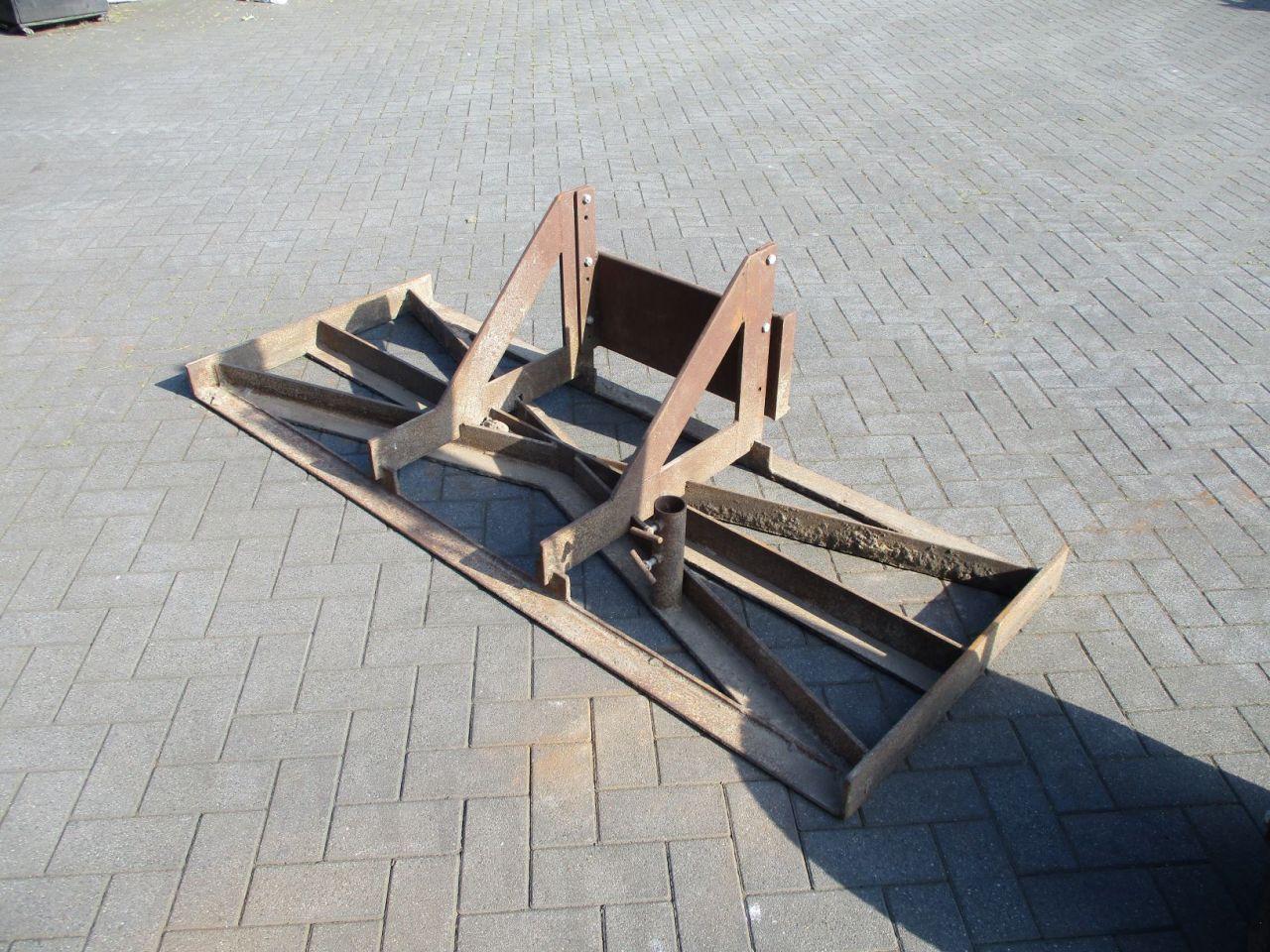 Pallet transportwagen knikmops 130 egalisatieframe knikmops 90