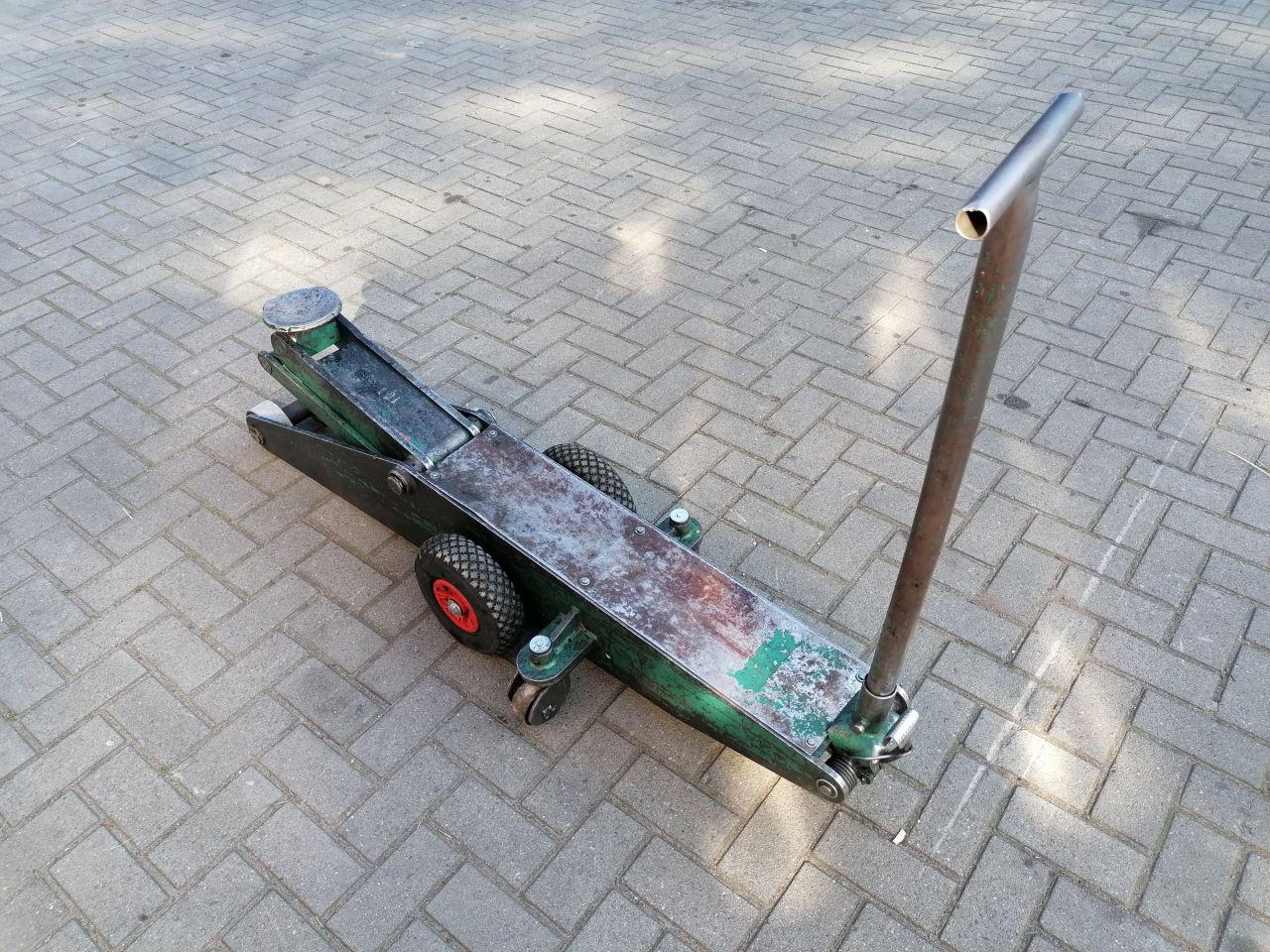 Compac C10 THC garage krik