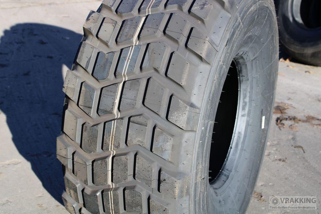 Michelin XS 525/65R20.5 = 20.5R20.5