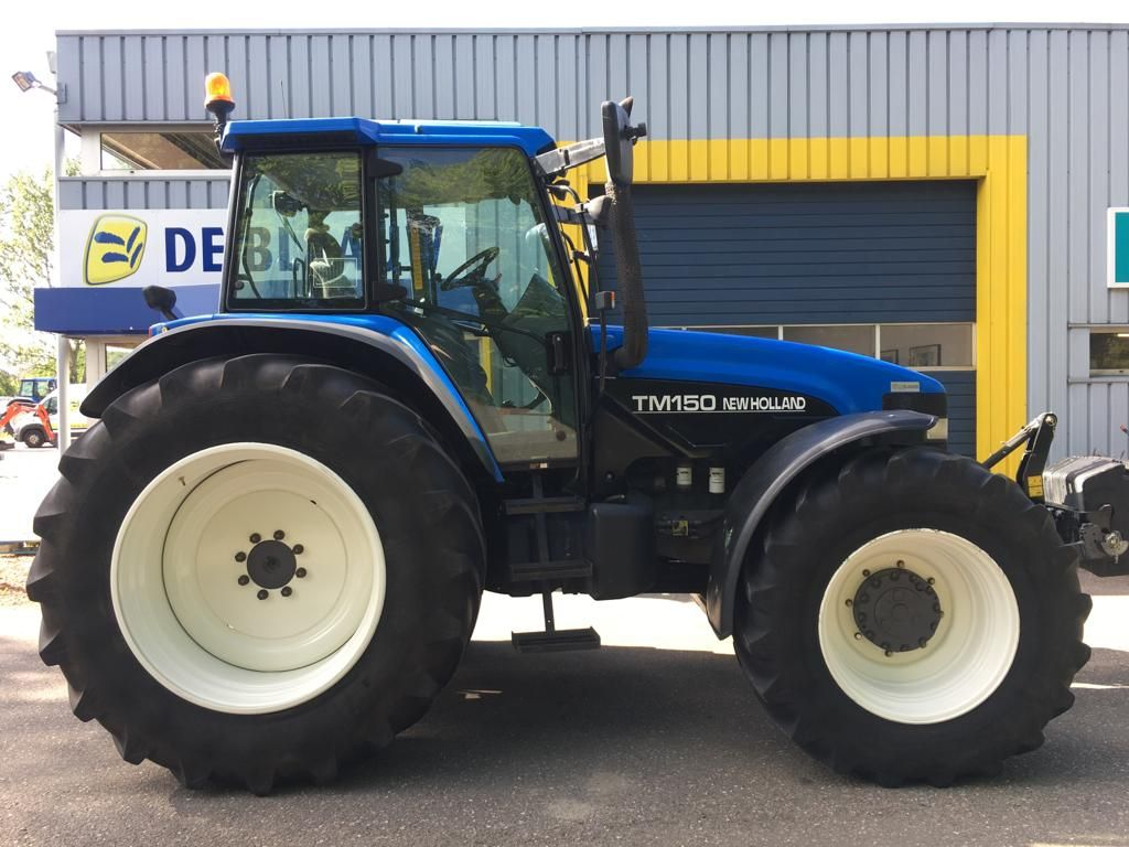 New Holland TM150, year of construction 2000 4WD tractors